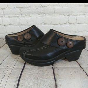 Sanita black clogs size 39/8-8 1/2